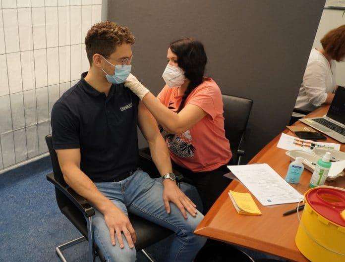 HOBART: Corona-Schutzimpfung für Beschäftigte
