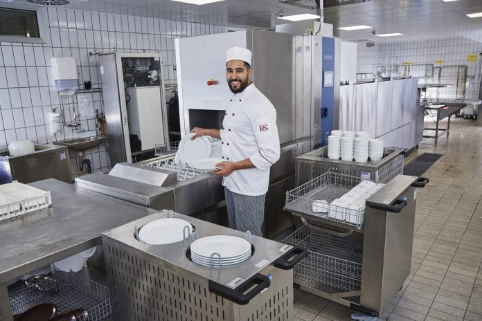 COOKING AWARD 2021: Bandspülmaschine von HOBART erhält nächste Auszeichnung