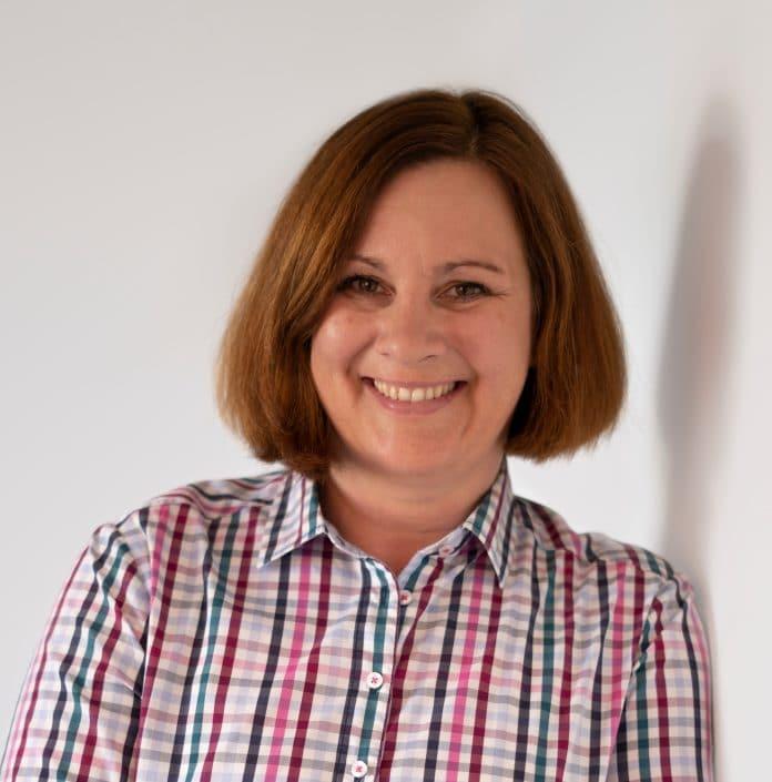Vertriebsingenieurin Carolin Wostratzky unterstützt HOBART Team West